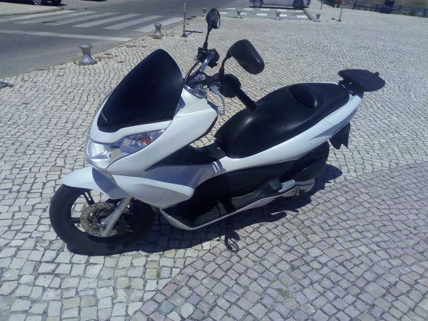 Scooter HONDA PCX125