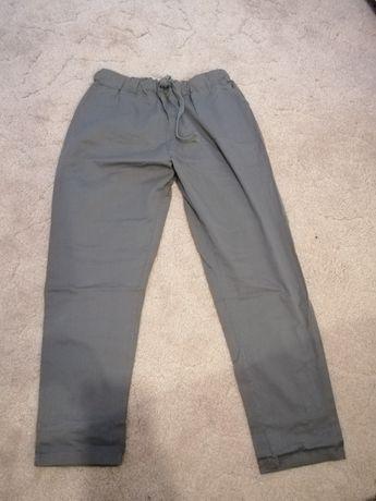 Oliwkowe spodnie
