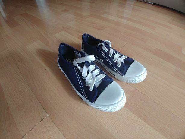 Buty tenisówki Walky - nowe