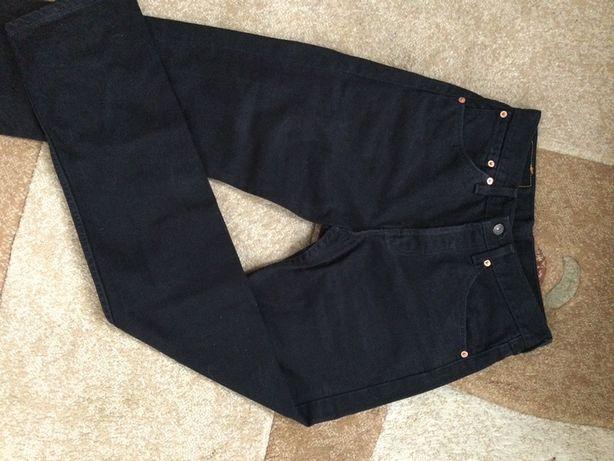 Czarne jeansy spodnie levis 29/34