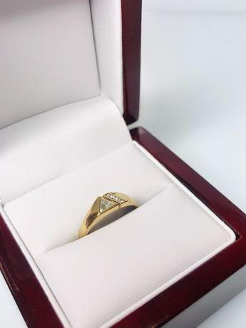 delikatny złoty pierścionek p585 2,14g