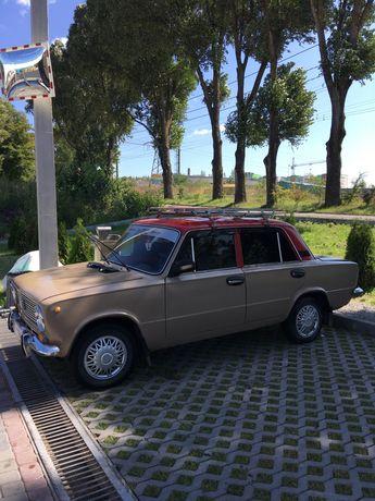 Автомобіль ВАЗ 21011