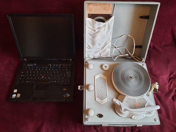 Laptop Lenovo ThinkPad i Gramofon Bambino oraz Kasprzak