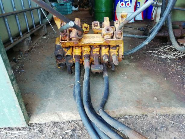 Distribuidor, válvulas óleo de hidráulico.