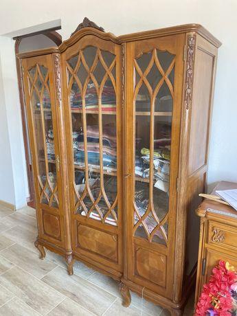 Livreiro Queen Anne 3 portas de vidros biselados