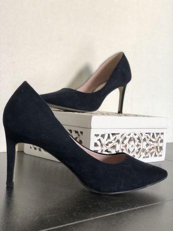 Sapato azul tamanho 39