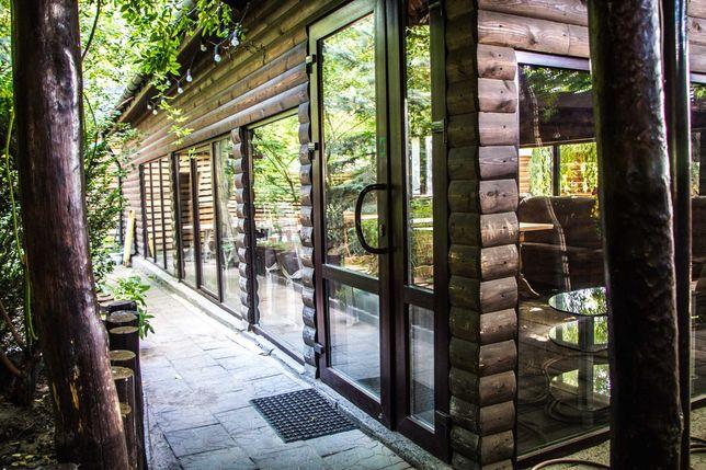 Деревянный дом с панорамными окнами. Легкая сборка