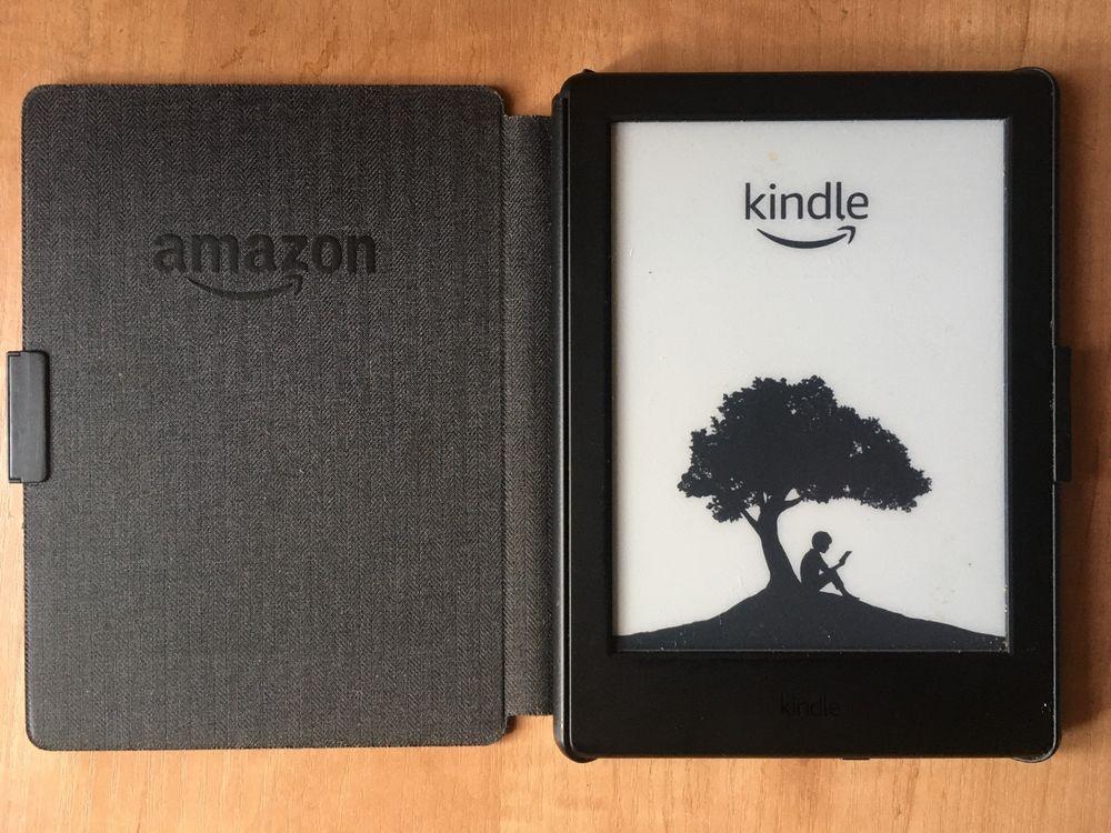 Kindle 8 (bez podświetlenia) z org. okładką