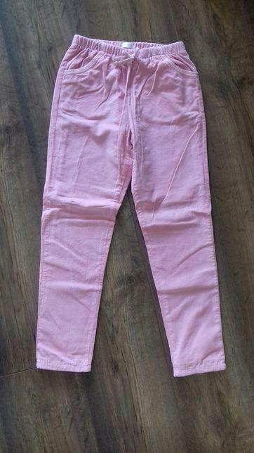 Spodnie sztruksowe dla dziewczynki 122cm