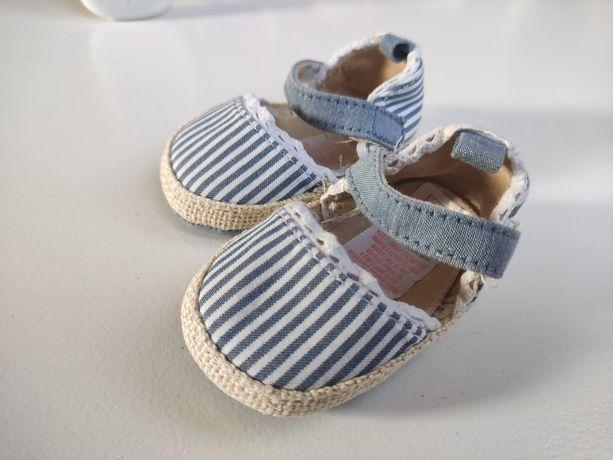 Sandałki niechodki niemowlęce Primark