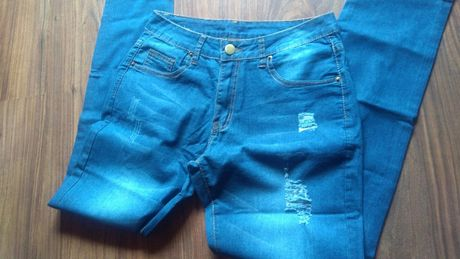 Spodnie jeansowe z przetarciami NOWE