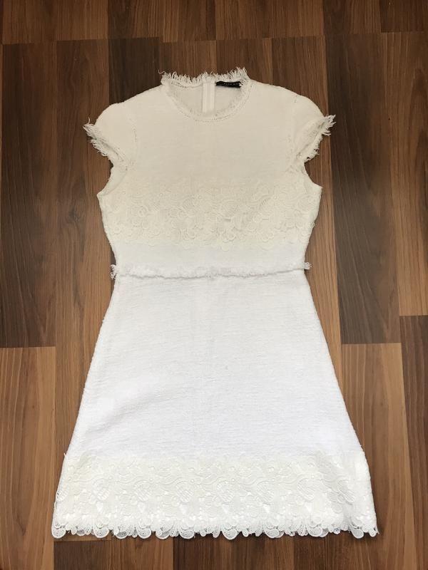 Красивое платье Zara с кружевом размер S-XS