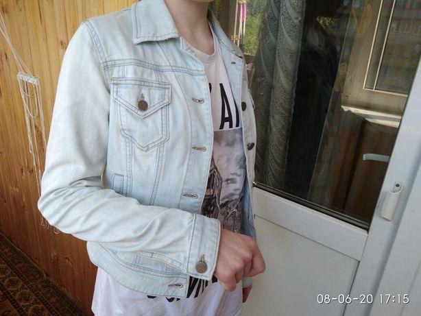 Куртка джинсовая S