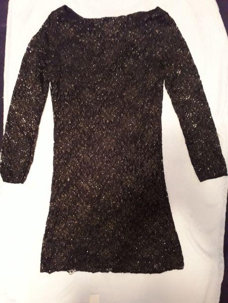 Sukienka mala czarna koronowa
