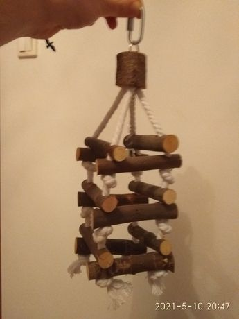 Zabawka dla papug z dzwonkiem