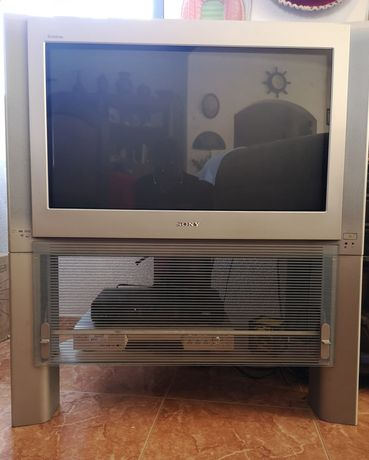 Televisão Sony (com móvel)