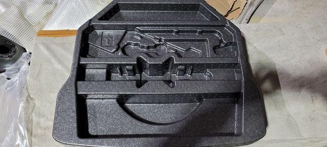 Pianka wkład bagażnika toyota auris II kombi hybrid nowa oryginał