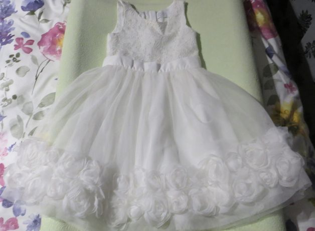 Sukienka biala okazjonalna wizytowa