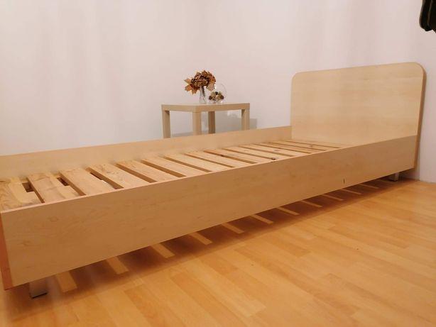 Łóżko 90x200 ze stelażem.