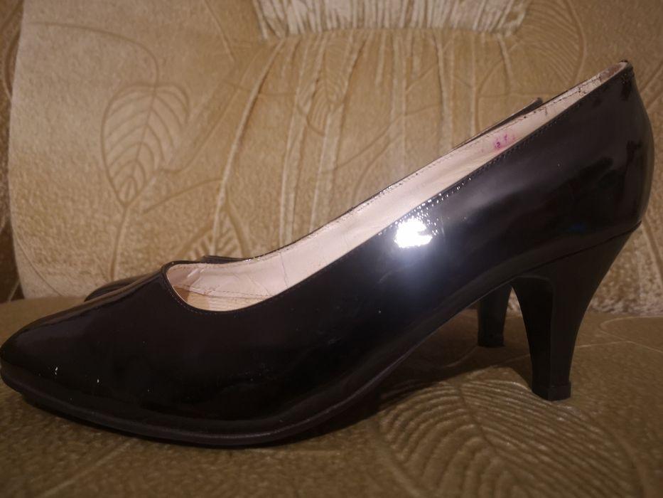 Лаковые женские туфли Николаев - изображение 1