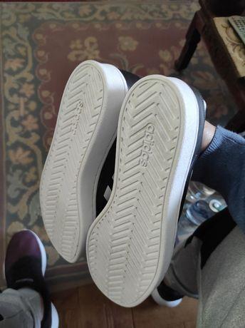 Ténis adidas ORIGINAL 41 1/3