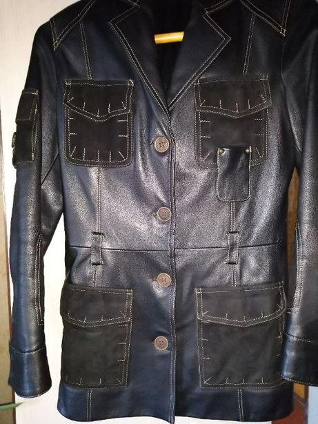 Кожаная куртка в идеальном состоянии!