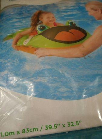 Продам новую надувную детскую лодочку пляжный лягушатник минибассейн