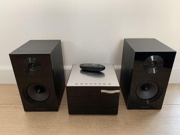 Wieża audio Samsung MM-E330