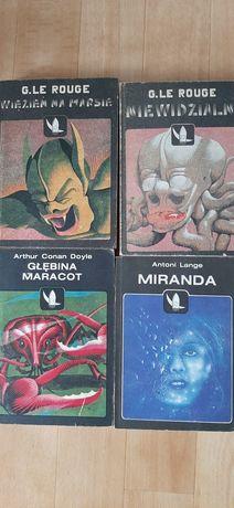 Dawne Fantazje Naukowe seria książek.