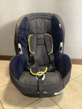 Dziecięcy fotelik samochodowy