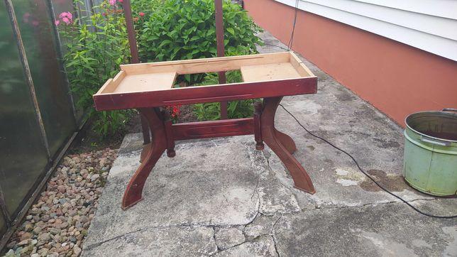 Nogi do ławy w ogrodzie