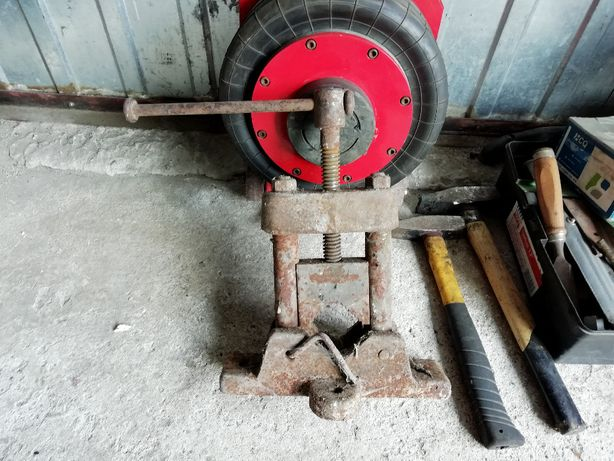 Imadło do rur hydraulicznych