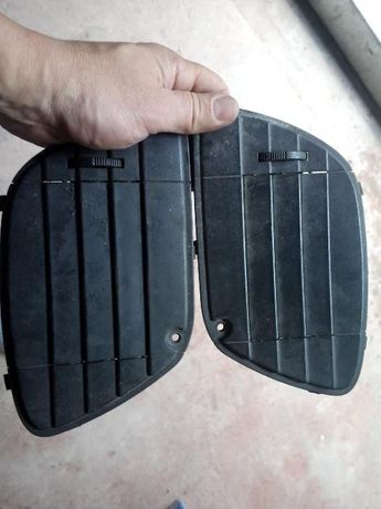 Дефлекторы- жабры обдува ног на мопед Piaggio/Gilera 50-125-180