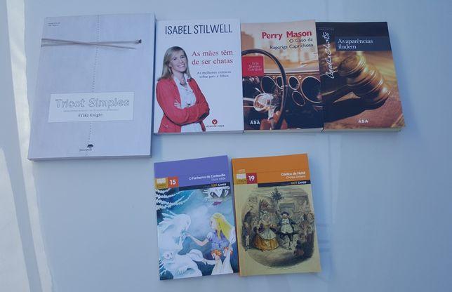 Vários livros.    .