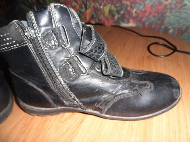 Ботинки на девочку 50 руб.
