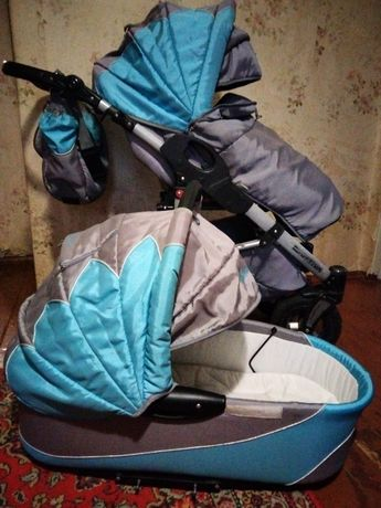 Продам детскую коляску два в одном.Универсальная коляска Tako CAPTIVA
