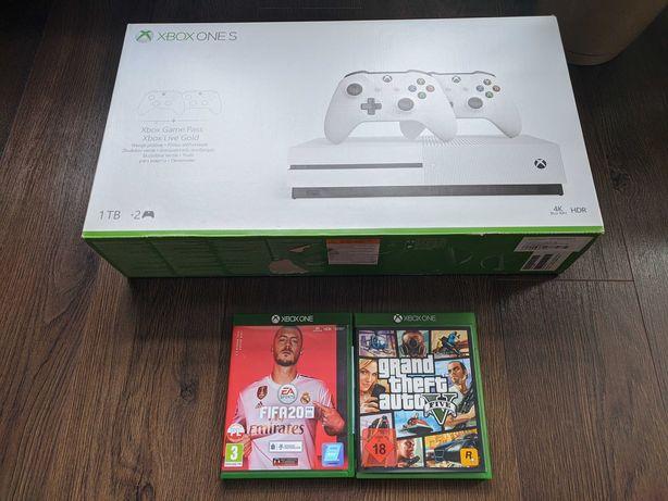 XBOX ONE S + 2 pady + 2 gry (FIFA 20, GTA V), jak nowy 1TB / 1000GB