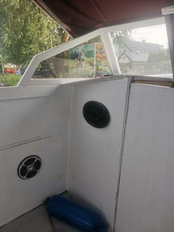 Łódź kabinowa motorowa. 6.7m 40km yamaha