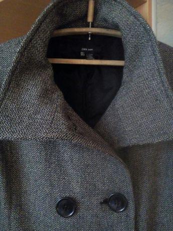 Полупальто, пальто фирмы Zara, 500 р.