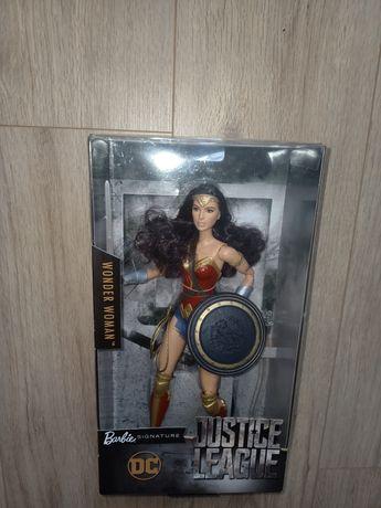 Kolekcjonerska Barbie Wonder woman signature collection Diana NRFB