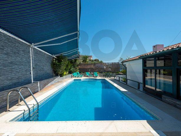 Moradia T4 frente ao Rio, excelente para habitação própri...