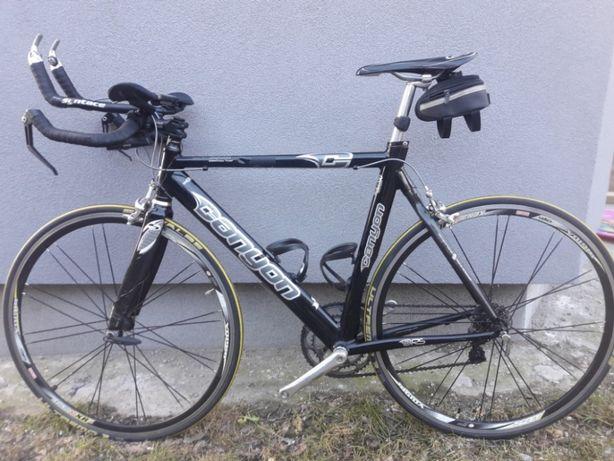 rower szosowy canyon triatlonowy