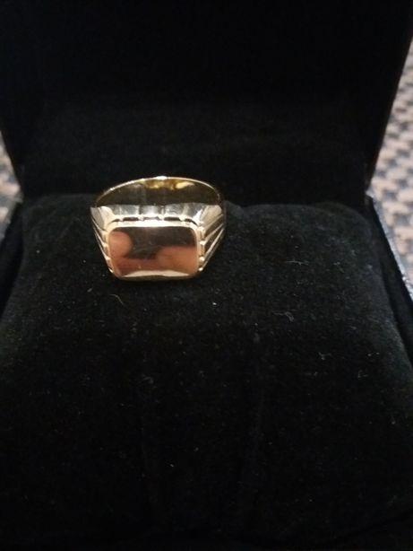Sygnet złoto 585/14 k. Rozmiar 26.