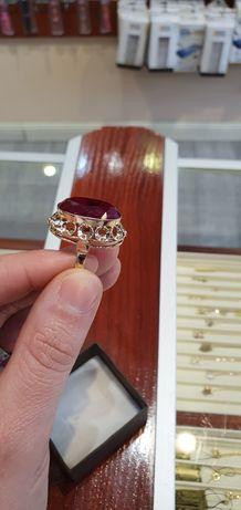 Pierścień złoty z rubinem 14k 585