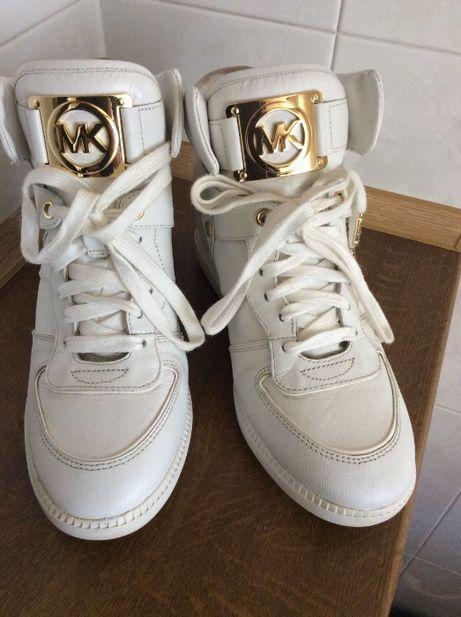 Белые ботинки-кроссовки кожаные Michael Kors