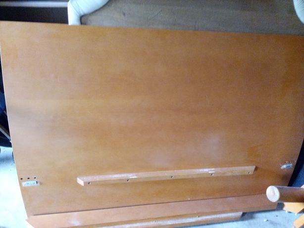 Cama de casal em madeira de faia