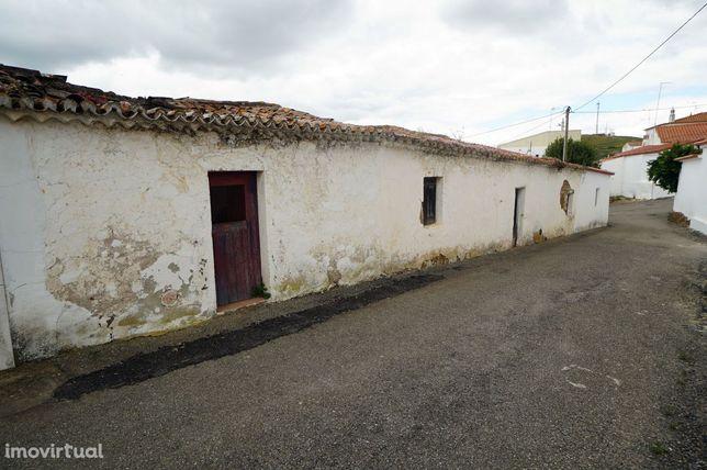 Moradia para reconstruir, Santa Cruz, Almodôvar