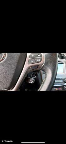 Toyota Avensis wbd stanie , ważne opłaty, auto z gwarancją