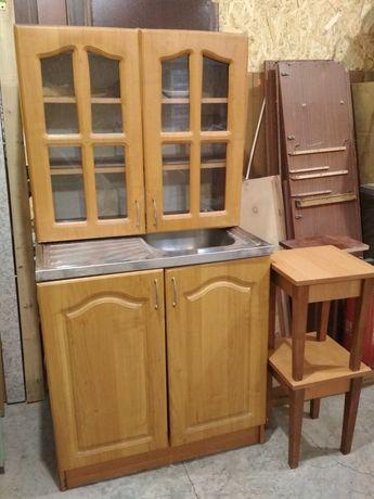 Мойка с тумбой + шкаф + 2 табуретки.