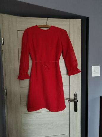 Sukienka prosta, malinowa w wiązaniem w pasie